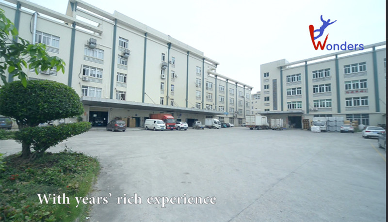 Xiamen Wonders ,specializing in field of outdoor sport apparels , Set up an own woven factory and has been fighting for leading industry.