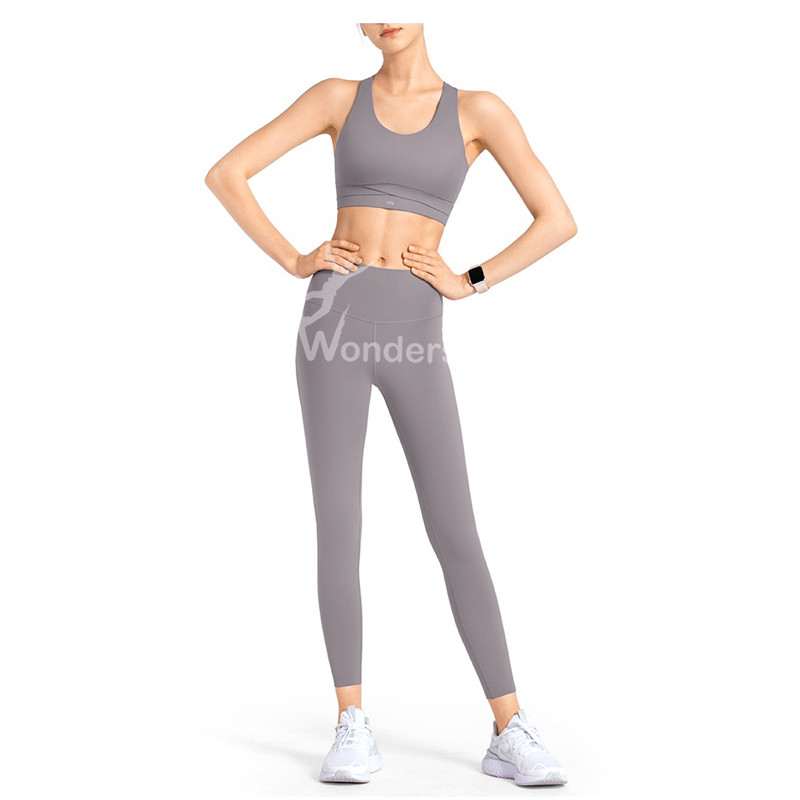 Women Medium-Impact Sports Bra Workout Tops Beauty Criss-Cross Back Running Bra with Fixed performance cup