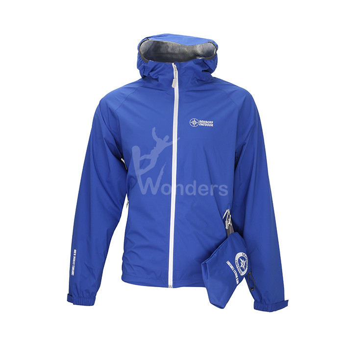 Men's waterproof breathable lightweight rainjacket with packable pocket